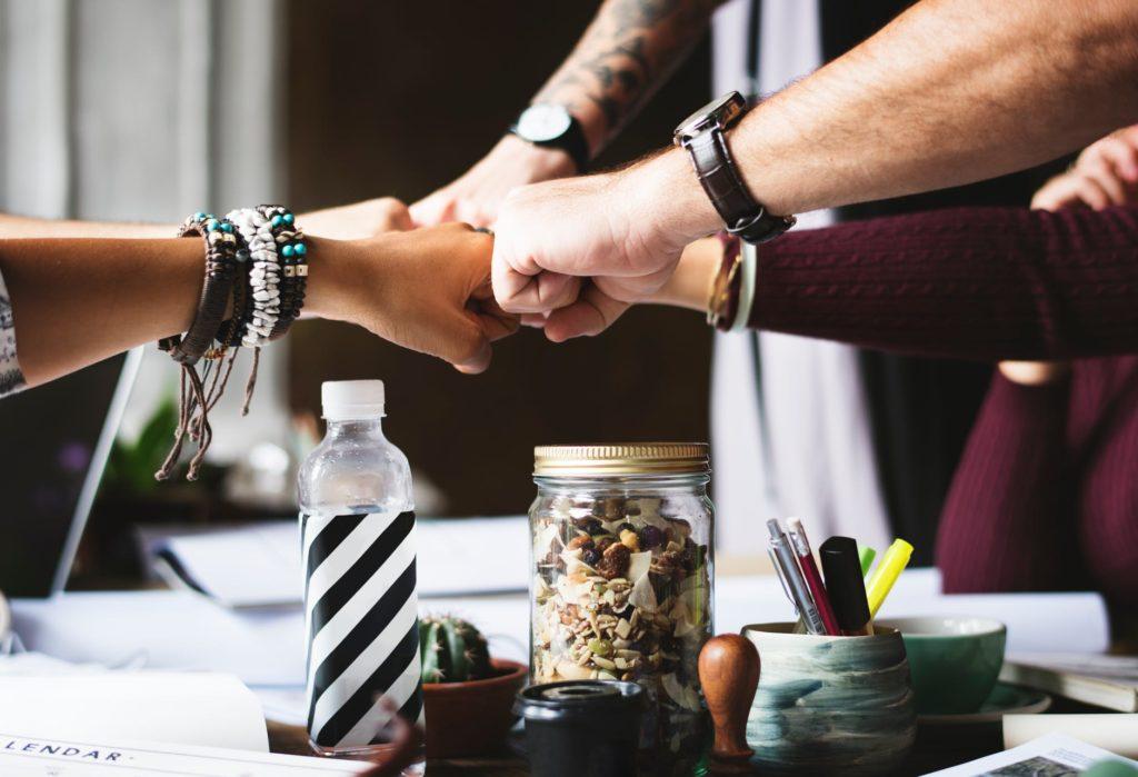 Build an Effective Online Influence